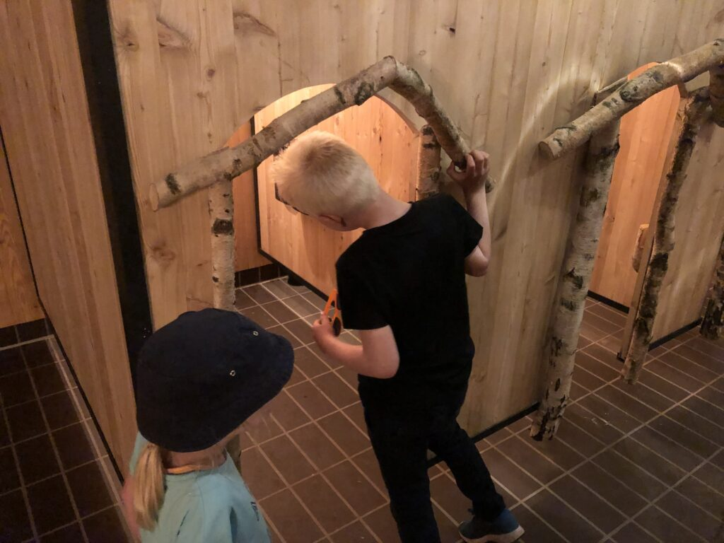Toiletter i børnehøjde inspiceres i WOW Park