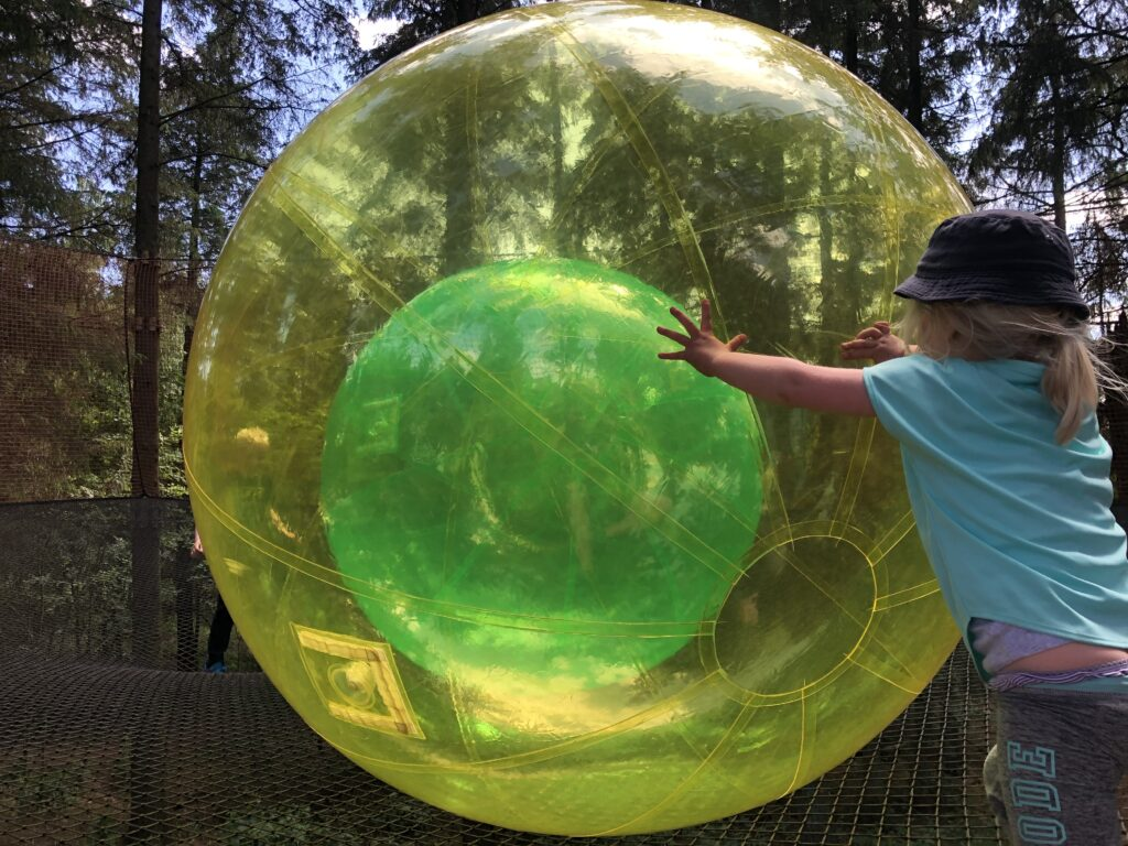 Leg med bolde i WOW Park