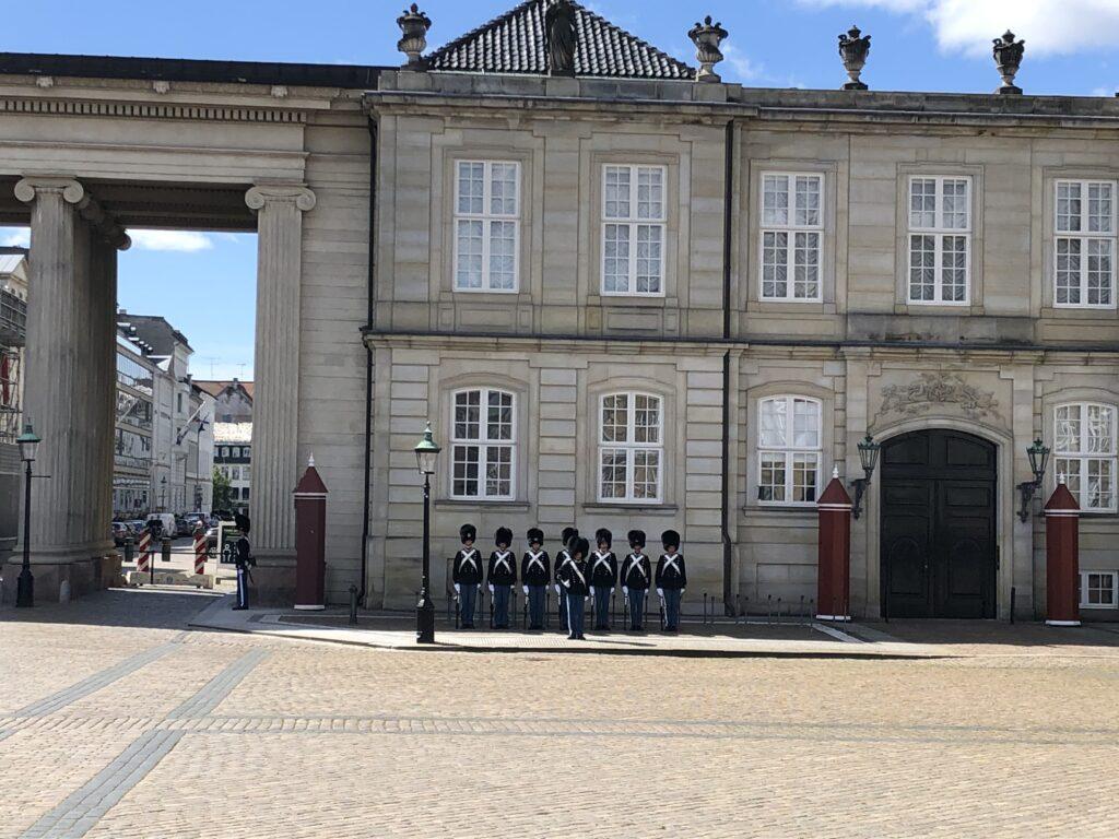 Vagtskifte på Amalienborg