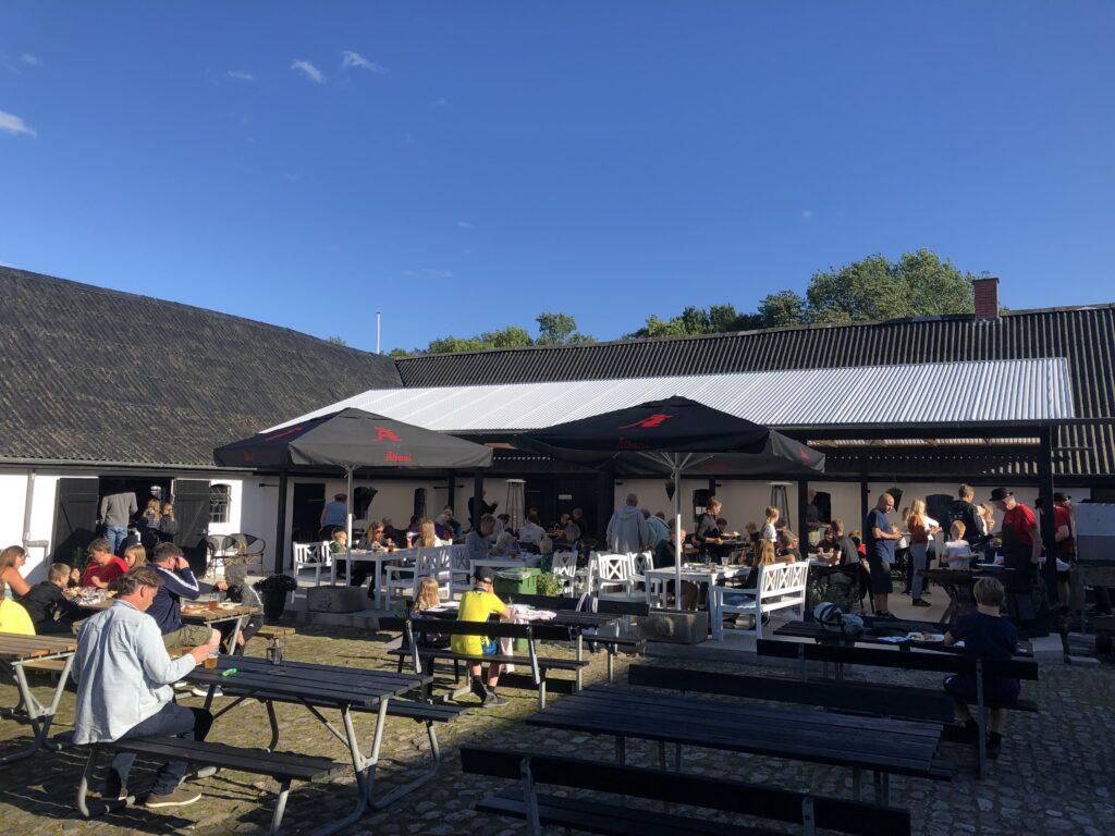 Grisefest på Bøsøre Strand Feriepark