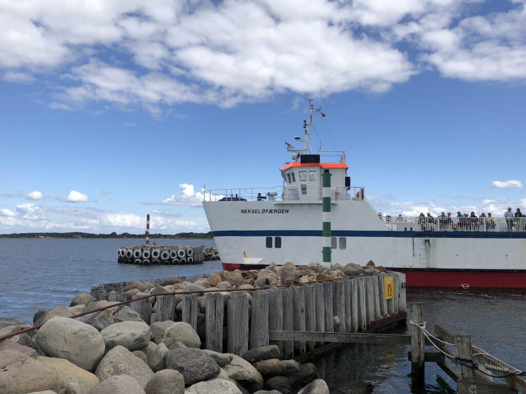 Nekseløfærgen sejler fra Havnsø