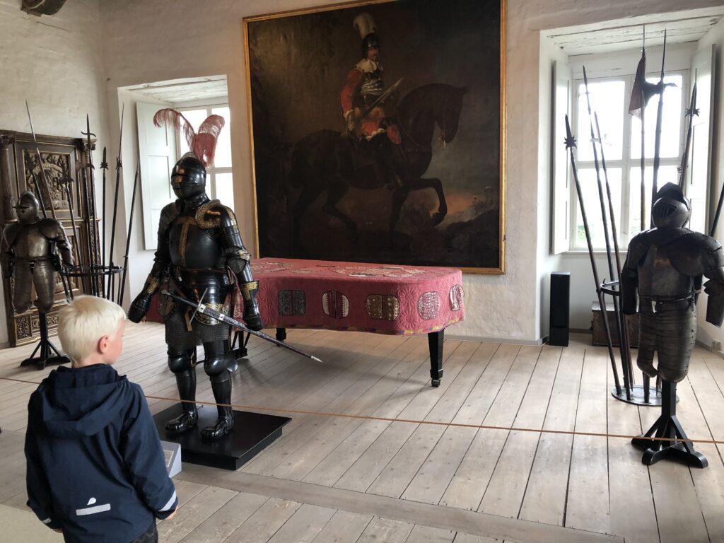 Egeskov Slot - En oplevelse på fyn for riddere (Foto: Ferieogborn.dk)