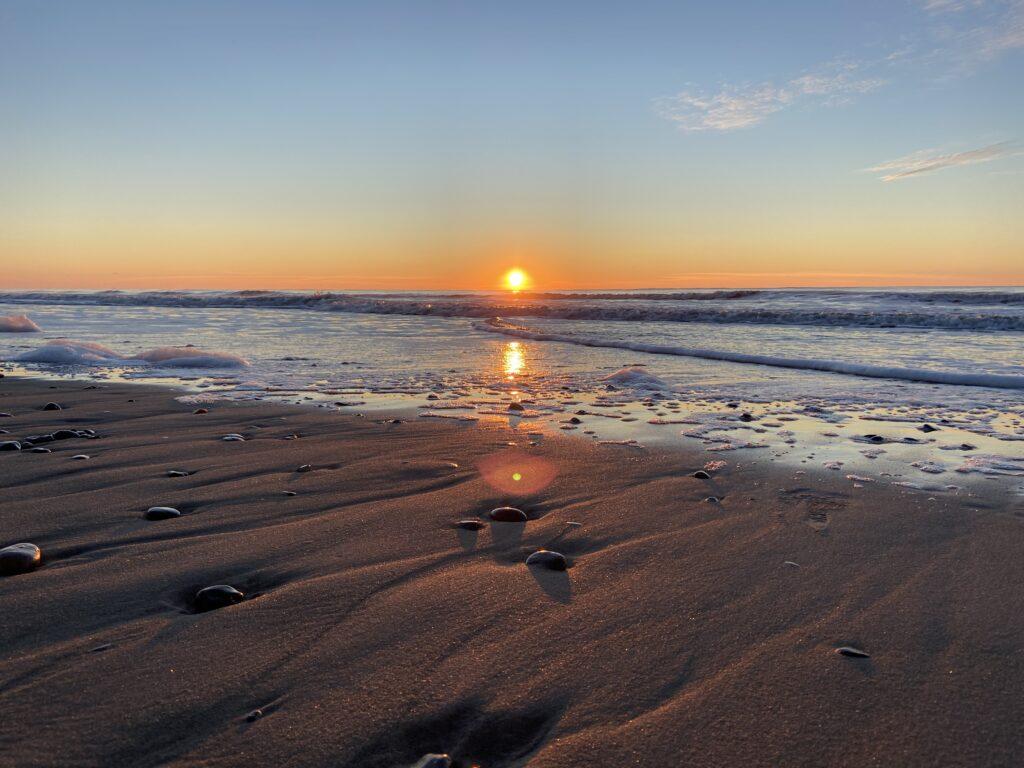 Solnedgang ved havet (Foto: Ferieogborn.dk)