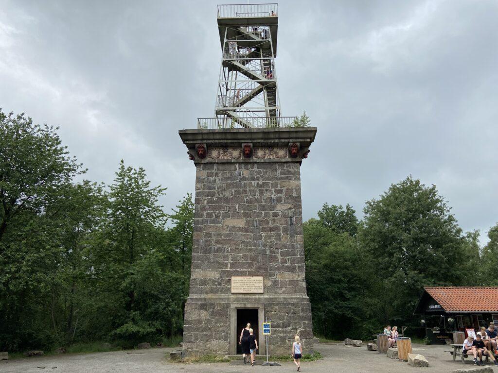 Mindetårnet ved Rytterknægten (Foto: Ferieogborn.dk)